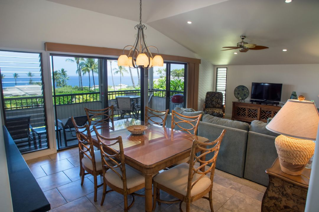 Dining room to lanai